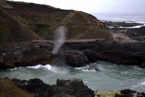 Oregon Coast Camping - Cape Perpetua - Spouting Well